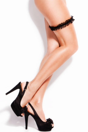 smooth perfect legs using an epilator